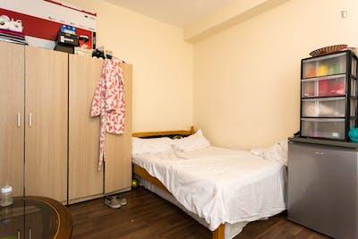 Twin bedroom in Redbridge  - Gallery -  1