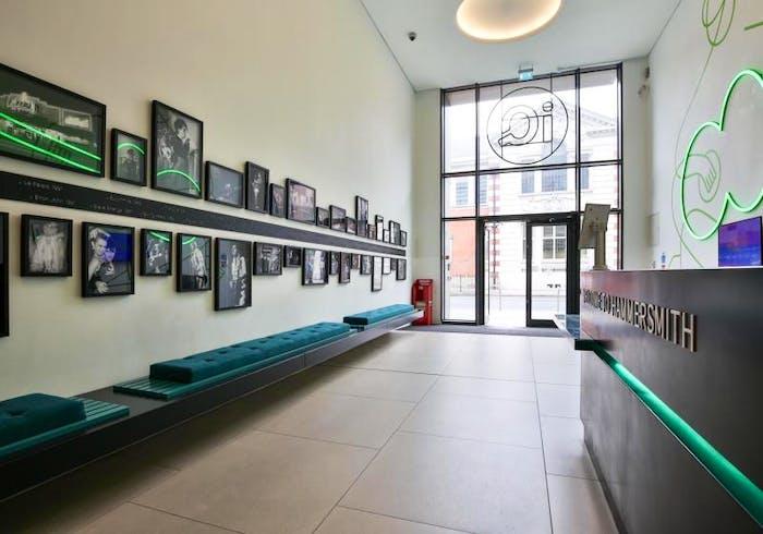 iQ Hammersmith  - Gallery -  6