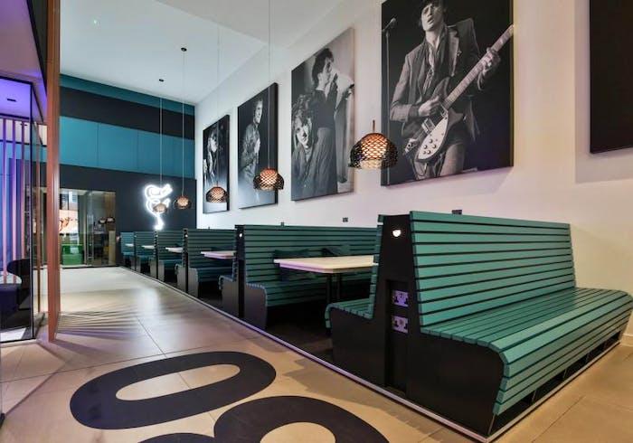 iQ Hammersmith  - Gallery -  9