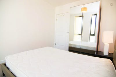 Sublime single bedroom in a student flat, in Stepney  - Gallery -  2