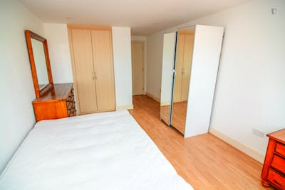 Sublime single bedroom in Millwall  - Gallery -  1