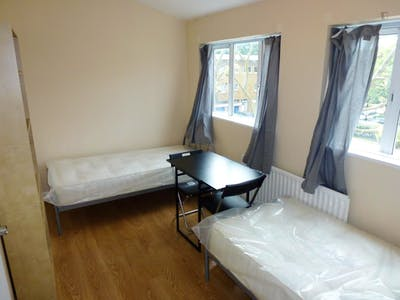 Twin bedroom close to The Regent's Park  - Gallery -  1