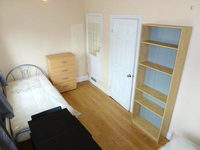 Twin bedroom close to The Regent's Park  - Gallery -  2