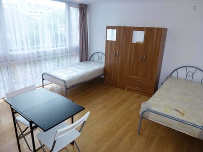 Twin bedroom with balcony, in Lisson Grove  - Gallery -  2