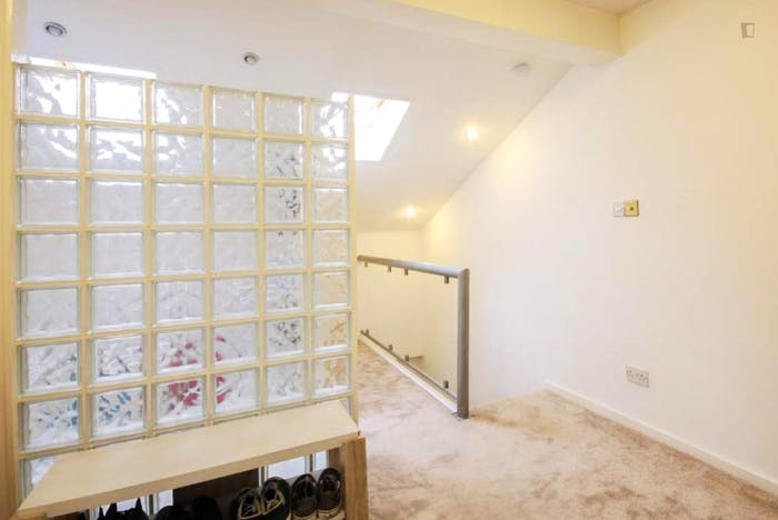 Very nice double ensuite bedroom in Notting Hill  - Gallery -  2