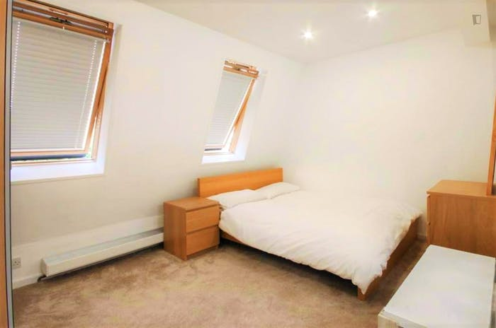 Very nice double ensuite bedroom in Notting Hill  - Gallery -  3