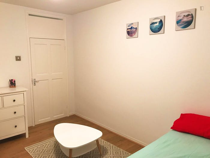 Very homely double bedroom in Clerkenwell  - Gallery -  3
