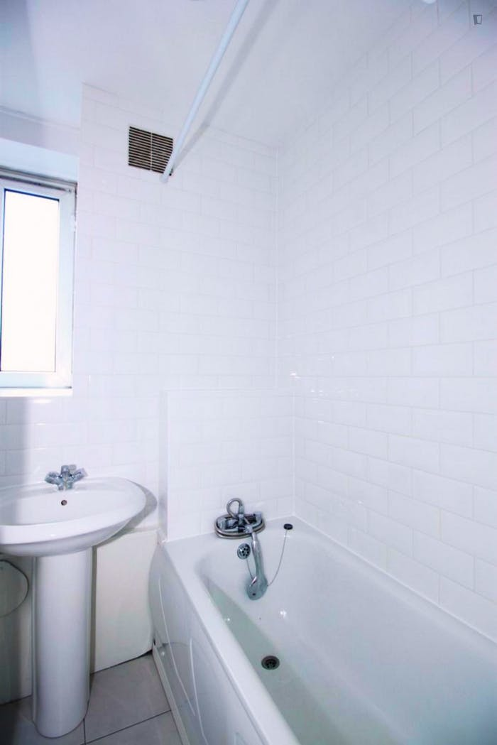 Very homely double bedroom in Clerkenwell  - Gallery -  6