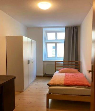 Very cosy single bedroom in Berlin Spandau  - Gallery -  2