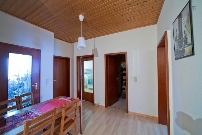 Warm single bedroom in Schwabing-West  - Gallery -  5