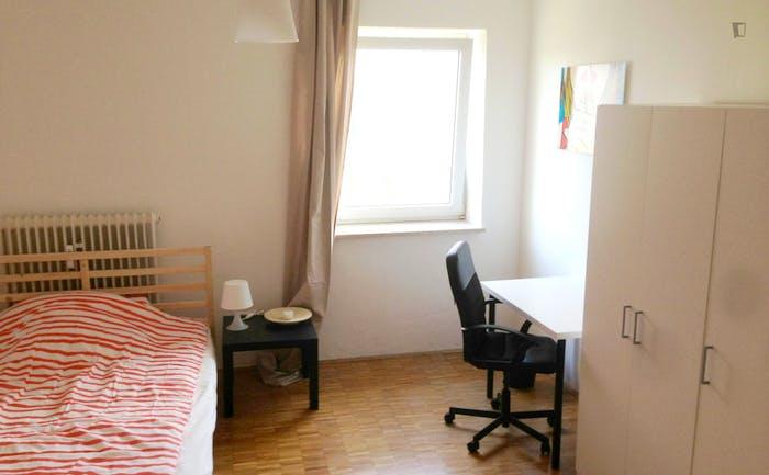 Warm single bedroom in Schwabing-West  - Gallery -  1