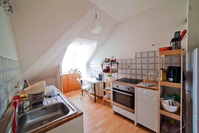 Warm single bedroom in Schwabing-West  - Gallery -  2
