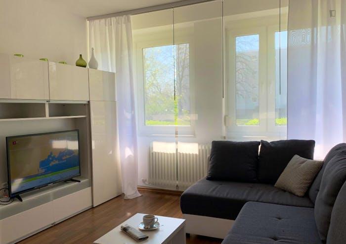 Wonderful 2-bedroom apartment in Nuremberg, 600 meters from Bauernfeindstr. U1 metro station  - Gallery -  8