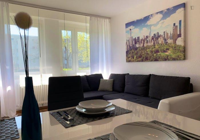 Wonderful 2-bedroom apartment in Nuremberg, 600 meters from Bauernfeindstr. U1 metro station  - Gallery -  7