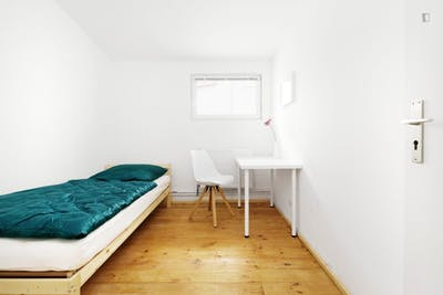 Welcoming single bedroom in Spandau  - Gallery -  1