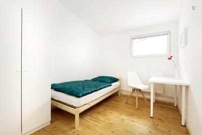 Welcoming single bedroom in Spandau  - Gallery -  2
