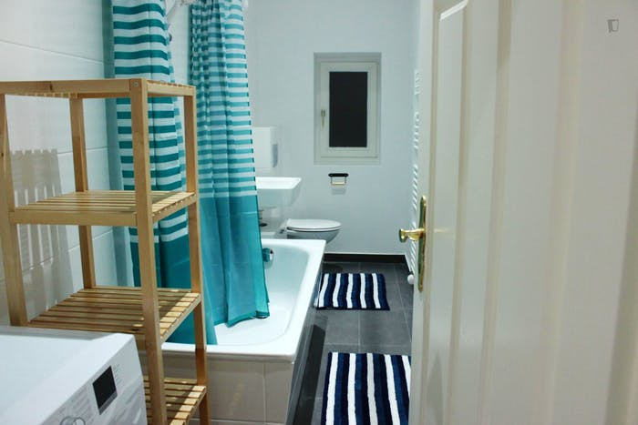 Unique single bedroom in Gesundbrunnen  - Gallery -  8