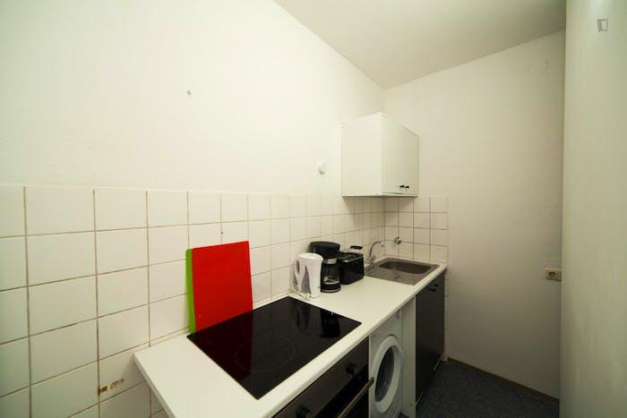 Warm single bedroom near Technische Universität München  - Gallery -  3