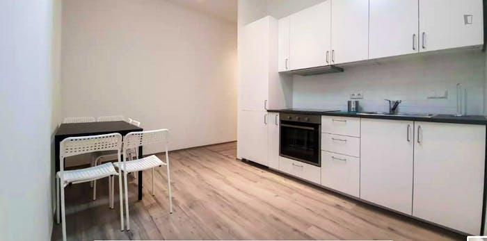 Luminous single bedroom in Kreuzberg, Berlin | Student ...