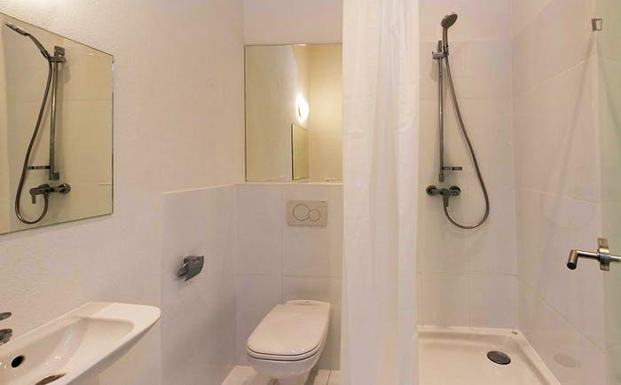 Welcoming single bedroom in Au-Haidhausen  - Gallery -  7