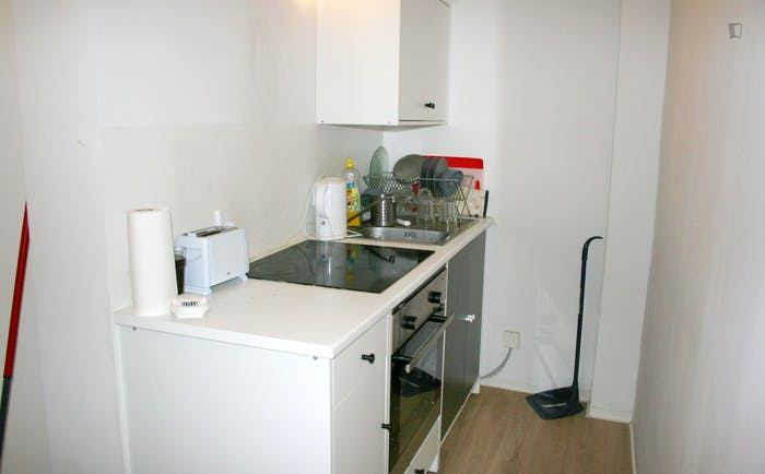 Well-located single bedroom not far from Hamburg Modecampus  - Gallery -  3