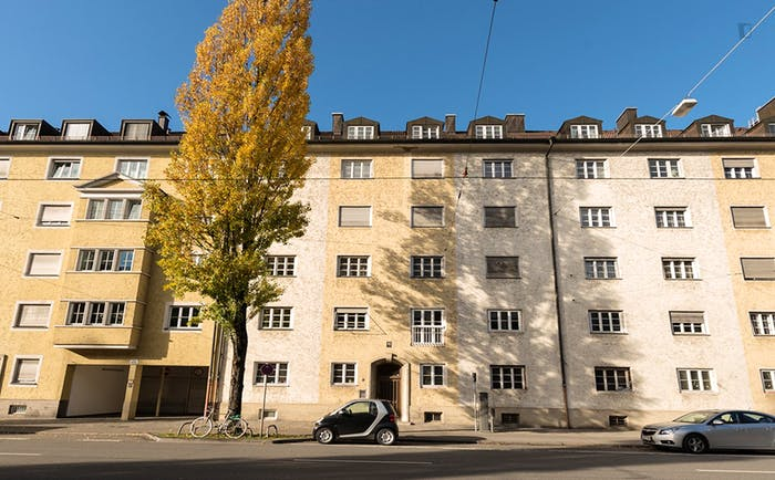 Very pleasant single bedroom near the Dietlindenstraße metro  - Gallery -  9