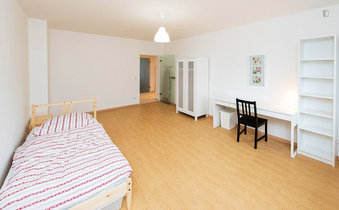 Very pleasant single bedroom near the Dietlindenstraße metro  - Gallery -  2
