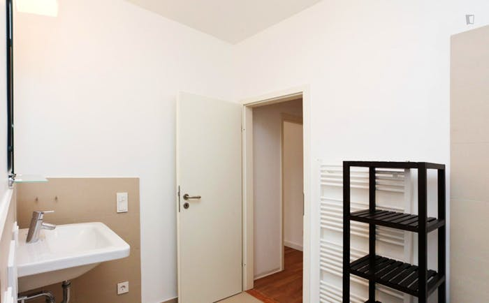 Wonderful double bedroom in Ostend  - Gallery -  7