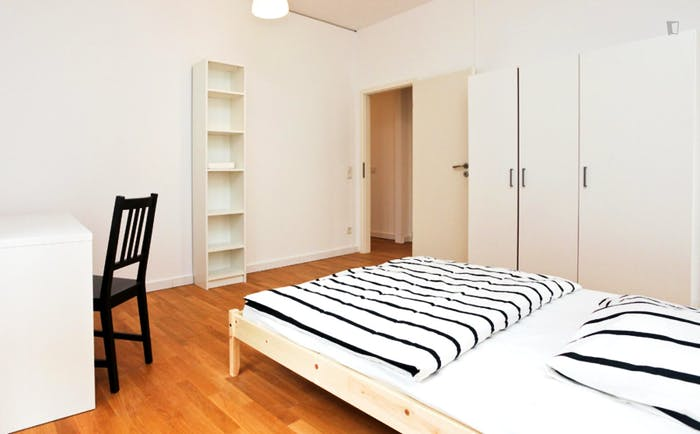 Wonderful double bedroom in Ostend  - Gallery -  2
