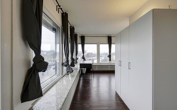 Very spacious room in Bad Cannstatt  - Gallery -  1