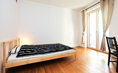 Bright double bedroom in Ostend