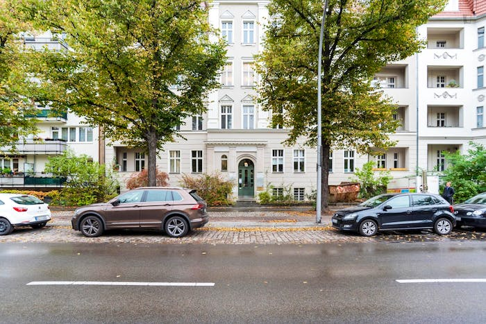 Welcoming single bedroom in Hohenzollerndamm  - Gallery -  9