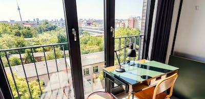 Top-floor studio for short stay in modern residence  - Gallery -  2