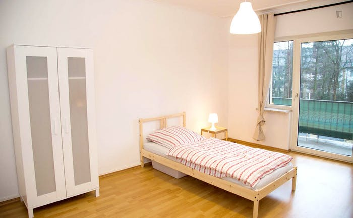 Welcoming single bedroom near the University of Fine Arts of Hamburg  - Gallery -  1