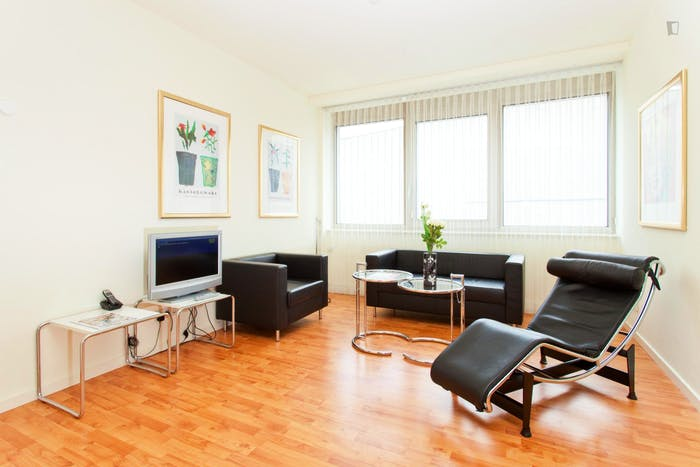 Very appealing 1-bedroom flat in a residence, in Charlottenburg  - Gallery -  3