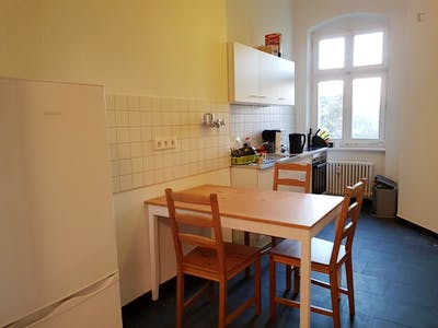 Welcoming single bedroom in well-linked Moabit  - Gallery -  3
