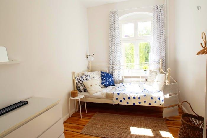 Welcoming room in Kreuzberg in 2-bedroom apartment  - Gallery -  2