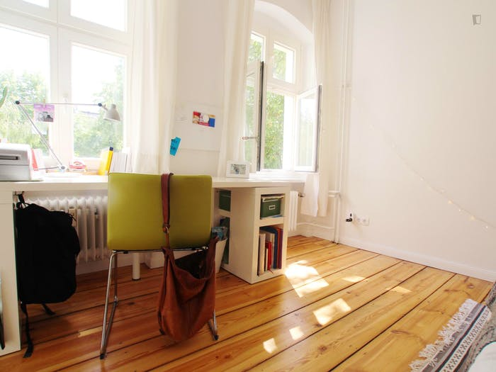 Welcoming room in Kreuzberg in 2-bedroom apartment  - Gallery -  4