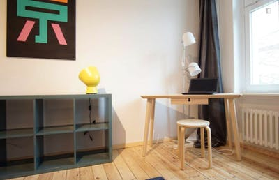 Stylish double bedroom in residential neighbourhood  - Gallery -  3